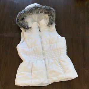 White puffer vest gray fur * NY & co * hooded coat